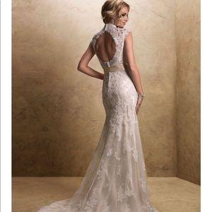 Maggie Sottero Bronwyn wedding gown size 8
